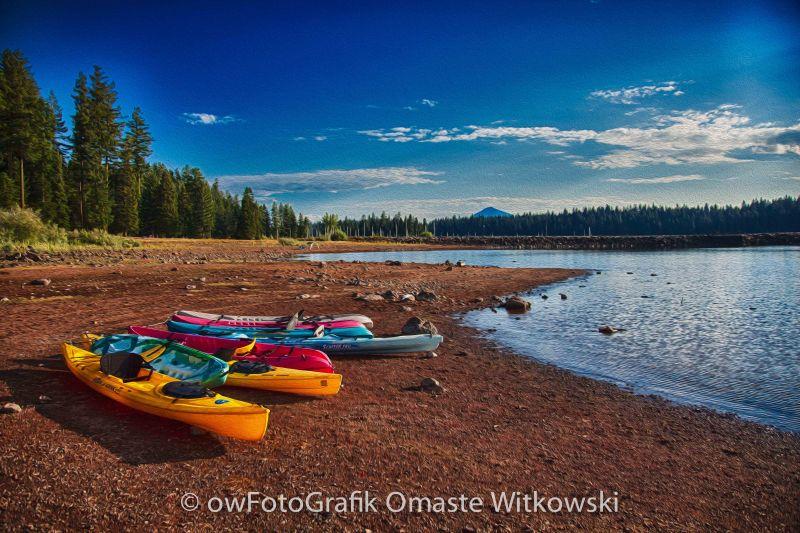 Kayaking on Howard Prairie Lake